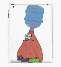 Patrick mit Flasche auf Kopf iPad-Hülle & Klebefolie