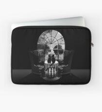 Room Skull Laptop Sleeve