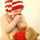 Little Chubby Elf by VikaRayu