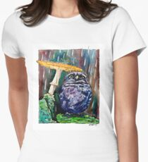 Owl Caught in the Rain Women's Fitted T-Shirt