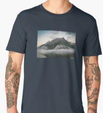 Berge im Nebel Men's Premium T-Shirt