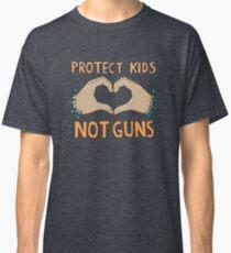 Camiseta clásica PROTEGER A NIÑOS, NO ARMAS