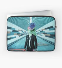 Abstract Figure Laptop Sleeve