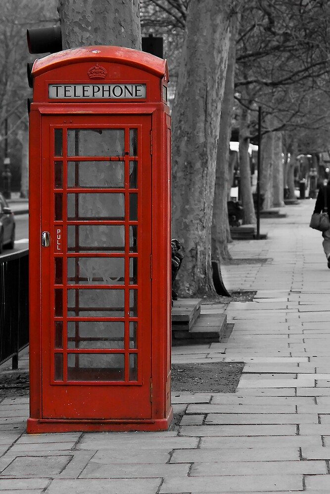 London red by Ashley Beolens