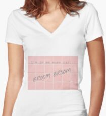 I'm in me mum's car Women's Fitted V-Neck T-Shirt