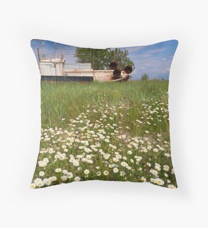 Into a sea of flowers Throw Pillow