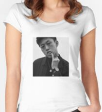 RICH BRIAN Women's Fitted Scoop T-Shirt