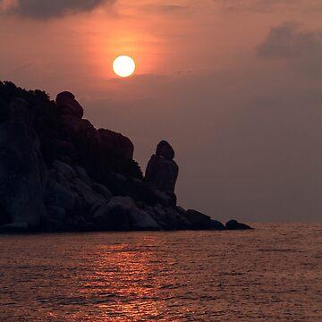 Sunrise On Koh Tao by haliehovenga