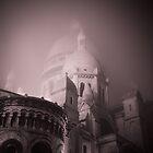 Sacré coeur dans le brouillard by 64iso