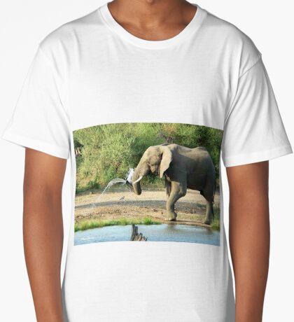 LAST SHOWER -  THE AFRICAN ELEPHANT – Loxodonta africana Long T-Shirt