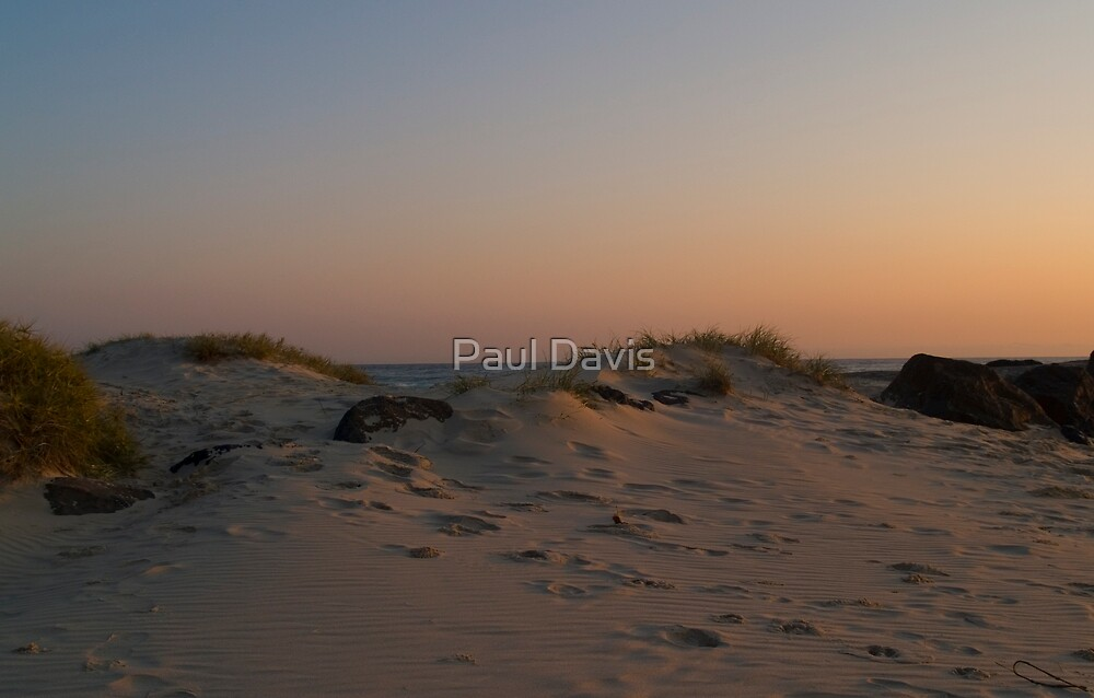 Red Sands by Paul Davis