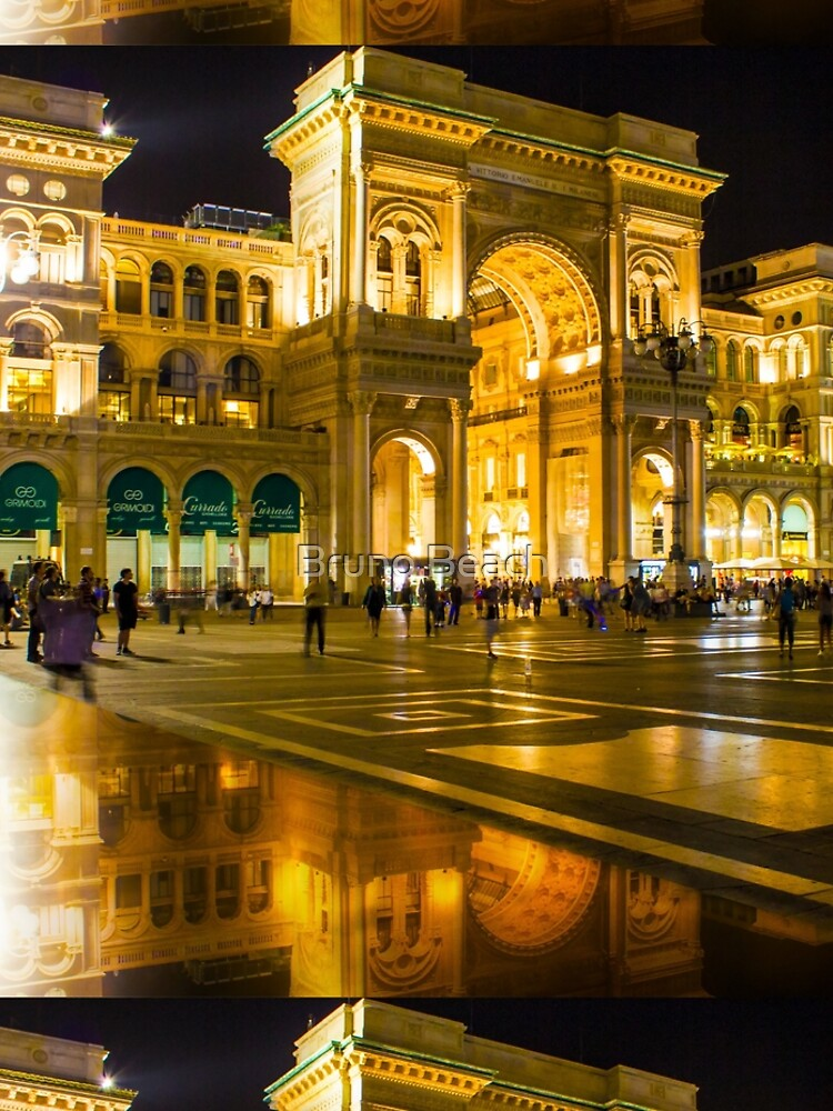 Piazza del Duomo at night, Milan, ITALY by BrunoBeach
