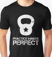 Übung macht den Meister Slim Fit T-Shirt