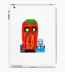 FRAU. BUNNY'S KAROTTENHAUS iPad-Hülle & Skin