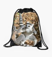 Lemur fight club Drawstring Bag