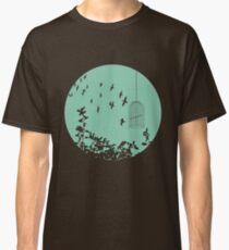 Flying Free 2 sea Large Classic T-Shirt
