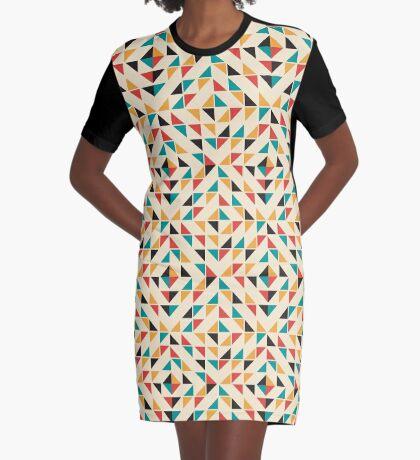 Patrón de triángulos de colores de mediados del siglo Vestido camiseta