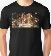 THE CHICAGO THEATER Unisex T-Shirt