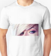 Close up eye with beautiful colors Unisex T-Shirt