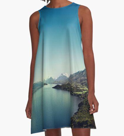 Auf dem Weg nach Glenorchy (Dinge sind mir passiert) A-Linien Kleid