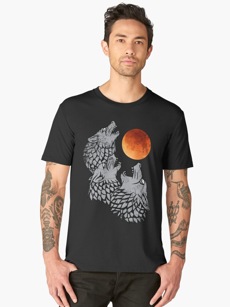 Three wolves howling at the moon Men's Premium T-Shirt Front
