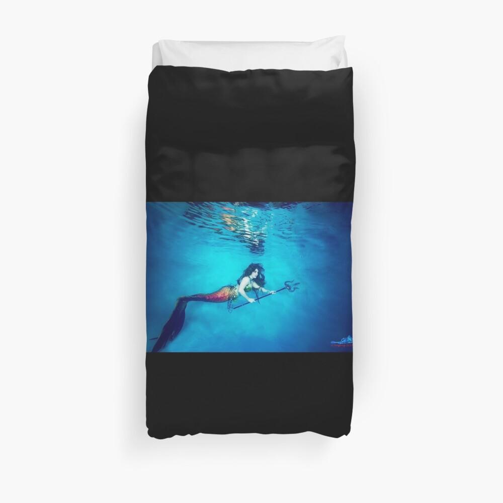 Mermaid Krieger reflektiert unter Wasser Bettbezug