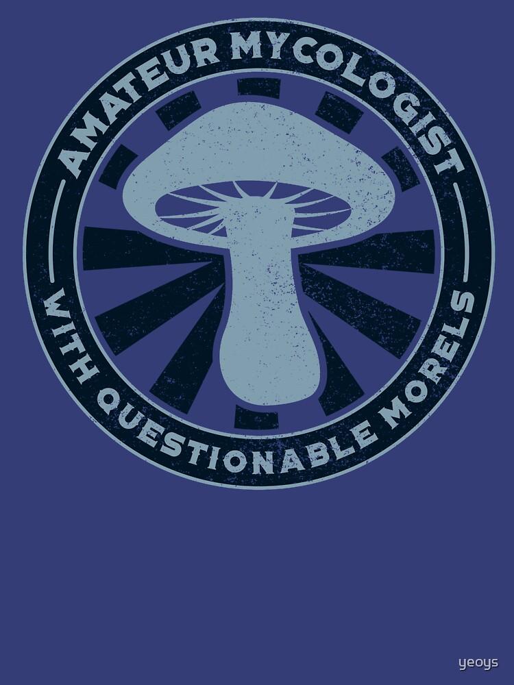 Amateur Mycologist Questionable Morels - Funny Mushroom Pun Gift von yeoys