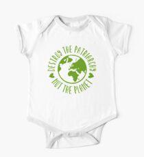 Zerstöre das Patriarchat, nicht den Planeten Baby Body Kurzarm