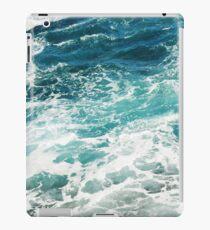 Blue Ocean Waves  iPad Case/Skin