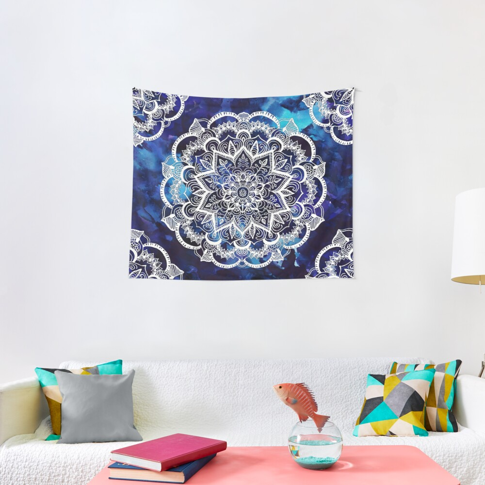 Queen Starring of Mandalas Tapestry