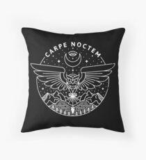 Carpe Noctem / Weiß Dekokissen