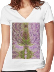 Leaf drawing Women's Fitted V-Neck T-Shirt