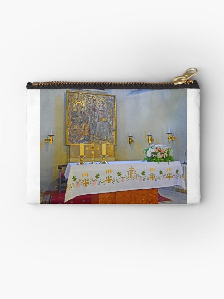 Altar in Jak Church by Graeme  Hyde