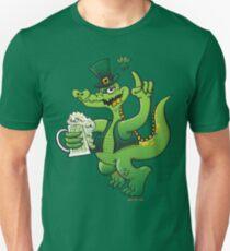 Saint Patrick's Day Crocodile Drinking Beer Unisex T-Shirt