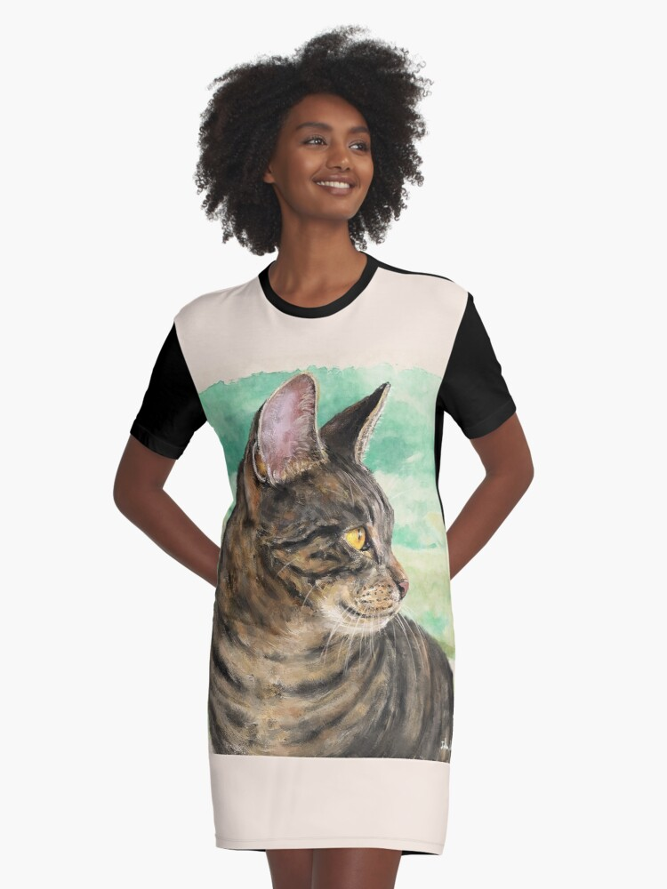 fa26f70264f2 Painting of a Gray Cat with Stripes Looking to the Right