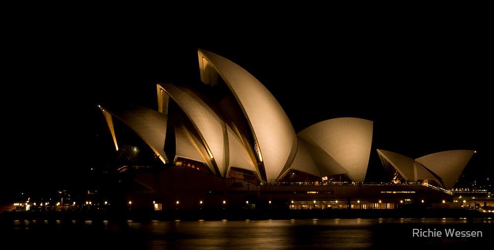 Sydney Opera House by Richie Wessen
