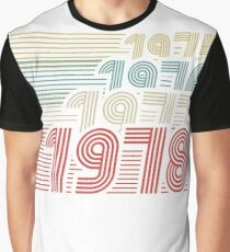 Vintage Born in 1978 gifts Graphic T-Shirt