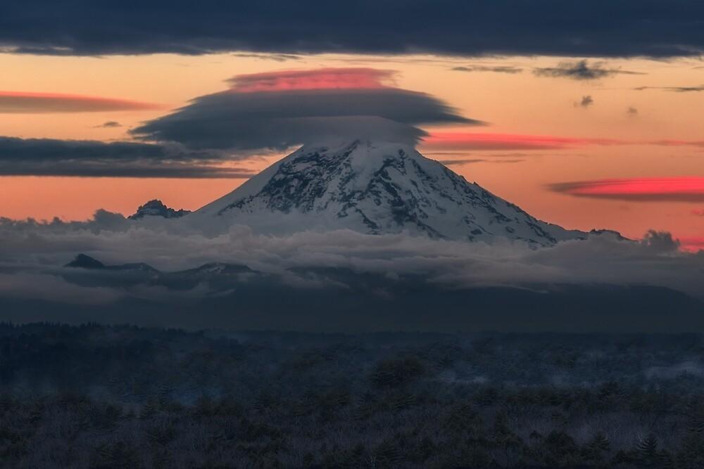 Mount Rainier, Washington by mattmacpherson