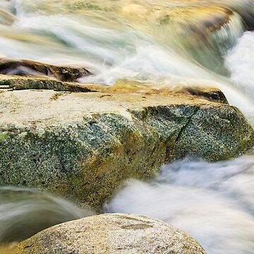 Running water by patmo