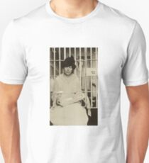 Suffragist Lucy Burns Jailed in Occoquan Workhouse, 1917 Unisex T-Shirt