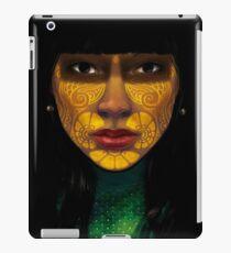 ornate woman iPad-Hülle & Klebefolie