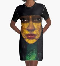 ornate woman T-Shirt Kleid
