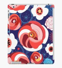 Seamless summer floral pattern of roses  iPad Case/Skin