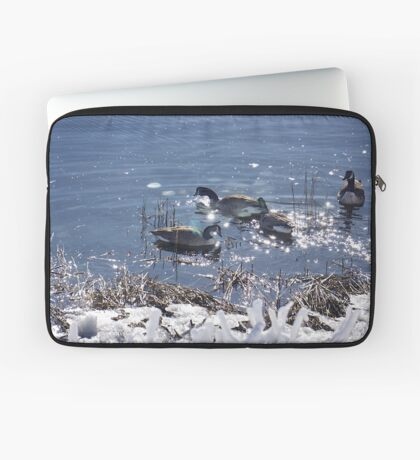 "Winter geese with a ""sparkle"" ! Laptop Sleeve"