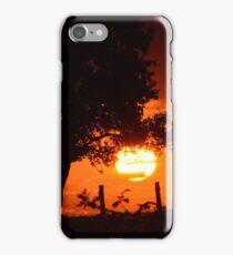 zon ondergang met rode gloed  iPhone Case/Skin
