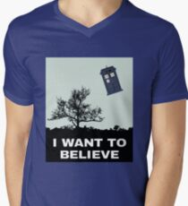 I Want To Believe Police Box Men's V-Neck T-Shirt