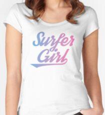 Surfermädchen Tailliertes Rundhals-Shirt