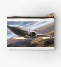 Cry havoc and let slip the dogs of war Zipper Pouch