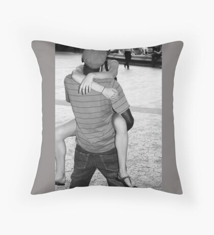 The Kiss - Romance in Black and White, New York City Throw Pillow