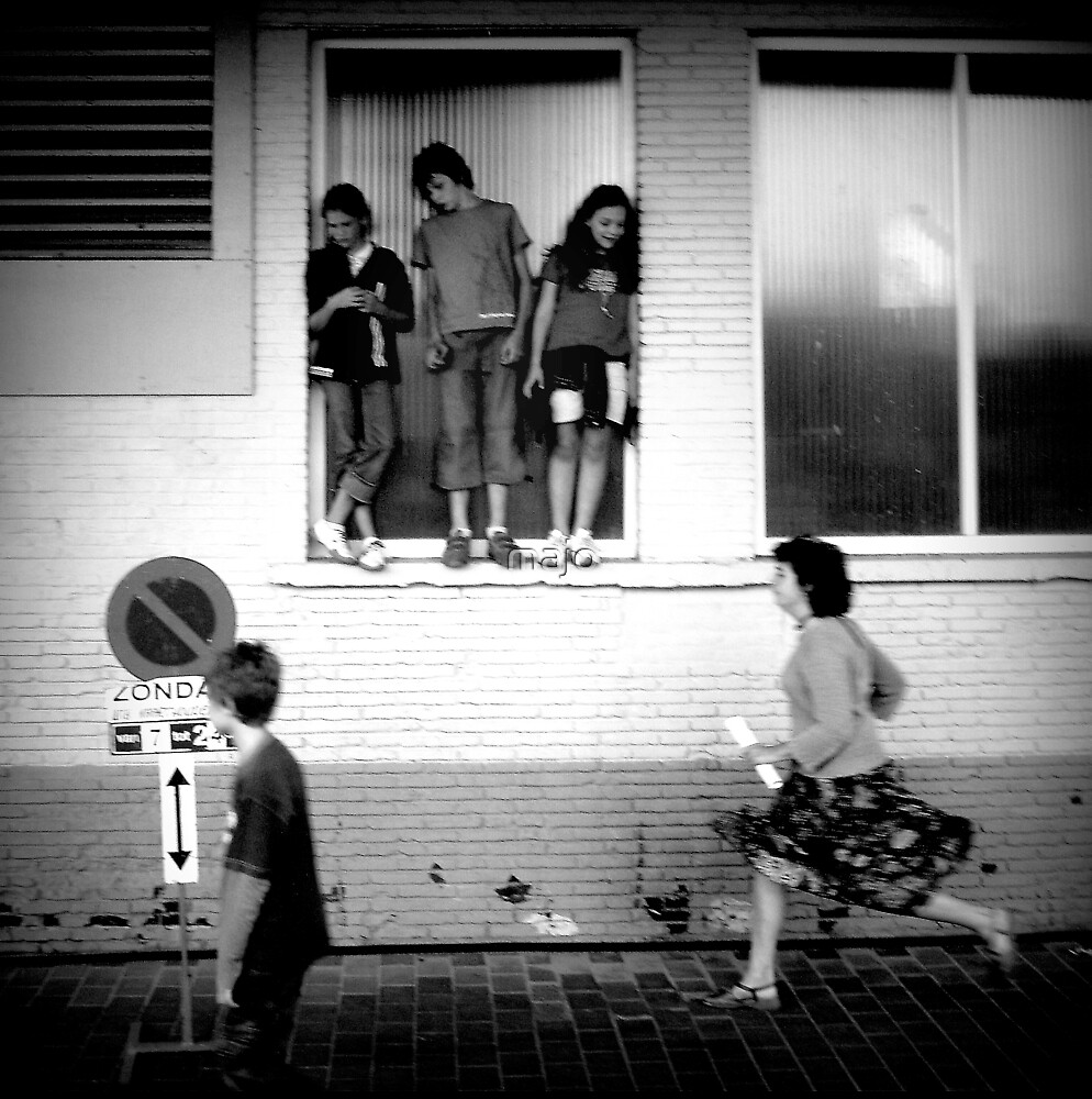 girls watch girls boys watch boys passing by by majo